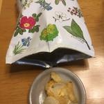 六花亭 花六花 - 料理写真:ポテトチップス150円
