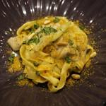 オステリア イタリアーナ コバ - 自家製フィットチーネ 鰯とフェンネルのからすみ風味