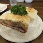 89772013 - カツサンド野菜入 700円