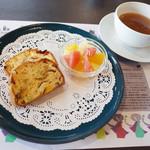 アーユルヴェーダ・カフェ ディデアン - ケークサレ&スープセット(1200円)