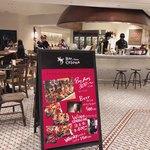 Bar&Tapas Celona - お店の外観