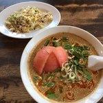 點心 - トマト担々麺と半チャーハン