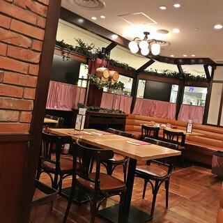 銀座洋食 三笠會館 池袋パルコ店 - 店内