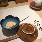 すし 二乃宮 - 小鉢は自家製豆腐でした。豆腐もだけどぽん酢が自家製なんじゃないかと思った。うまい。