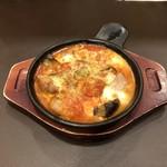 ガスト - チキンとモッツァレラのトマトオーブン焼き