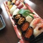 ㈱鈴木水産 - 料理写真:16貫も!