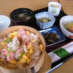 春翠亭 - ずわいガニのほぐし身たっぷり、蟹わっぱ定食