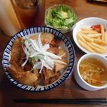 ベルサイユの豚 - 豚丼¥790-