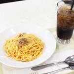 キーフェルコーヒー - パスタセット(焼きたらこと舞茸+コーラ)