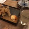 居酒屋 山角 - 料理写真:日本酒(グラス)とエイヒレ