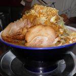 ラーメンビリー - 料理写真:豚入りラーメン 980円