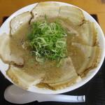 大分ラーメン 十八番 - 料理写真:十八番ラーメン(930円)