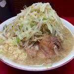 ラーメン二郎 - 料理写真:小ラーメン・ヤサイニンニク(730円)