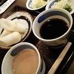 佐藤養助 - 胡麻味噌つゆ、醤油つゆ