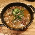 RUTSUBO KITCHEN - じっくり煮込まれた牛ネックは、スプーンやお箸で切れるほどトロトロ柔らか