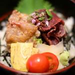 89815479 - 天然真鯛、ナガスクジラの紅白丼 1680円