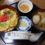 味処もん - 油麩丼+はっと                                       (とよまセット)