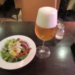 Bistro いちご - サラダとビール