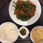北浜 上海食苑 - 青椒肉絲定食