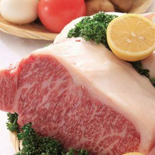 お肉の素材も厳選!A4ランク黒毛和牛や国産豚をリーズナブルに