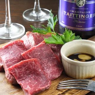 """""""肉""""に寄り添う素敵なワイン。気軽に飲める泡も充実の品揃え"""