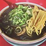 89839919 - 中華そば 並    キレのあるブラックスープは、思いの外、スルスルいけます(^O^)