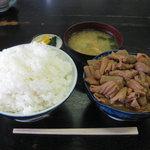 8984783 - もつ煮定食(800円) ライス大盛(+160円)・もつ大盛(+180円)