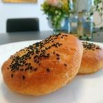 Pankoubounananinshimai - もちもち食感の美味しいあんパン!