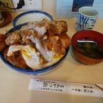 天元豚とんかつ浜 - 料理写真:かつ丼。150gぐれーのロースが二枚。おなかのおにくが育ちざかりなossanに、特にお勧めだ!
