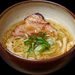 当店を代表する自慢の「特製塩らぁ麺」をお愉しみ下さい!