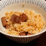 鉄板焼き いわ倉 - 山形牛のヒレ肉入りガーリックライス