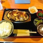 めし屋 大館 - 料理写真:大館さくら豚の鉄板焼き