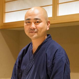 山根竜介氏(ヤマネリュウスケ)─新風を起こす、次世代の鮨職人