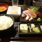 日本酒とお魚きっちん 祐星 - お造りてんこ盛りと玉子かけ飯定食