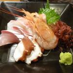 日本酒とお魚きっちん 祐星 - お造り(ぼたん海老、たこ、ブリ、鯛、サーモン)
