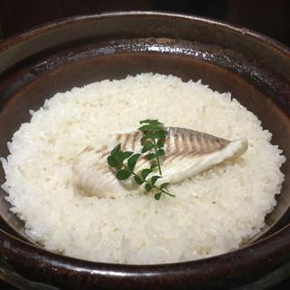鯛めしは土鍋で…