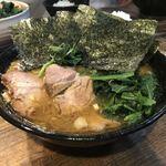クックら - 料理写真:中盛麺固め油多め海苔増し