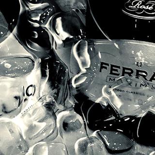 イタリアワインでお寛ぎくださいませ。