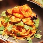 カパンナ - ぷりぷり海老と揚げナスのスパゲティ,大葉とトマトソース
