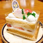 マ・メール アンジュ - 桃のスペシャルショートケーキ