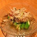 炉端と肉割烹 笹揶 - 出汁 オクラ