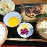 ふく鶴 - 目抜け粕漬け焼き定食+生玉子