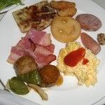 8987502 - モーニングブッフェのメインのお皿