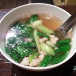 89873882 - 青菜のスープ