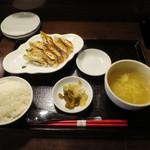 あひるの台所 - あひる餃子 8個/ごはんセット