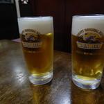 味の二合半 - ビールで乾杯