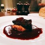アポンテ - お肉トロトロで濃厚な赤ワインソースが絶品!!