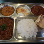 日本一小さなインド家庭料理 ドーン食堂 印度山 - コンボセット