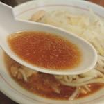 眞久中 - ラーメンのスープ
