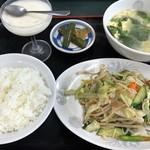 大黒家飯店 - 料理写真:日替定食(野菜炒め)830円